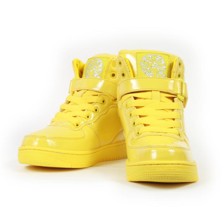 yellow_kicks