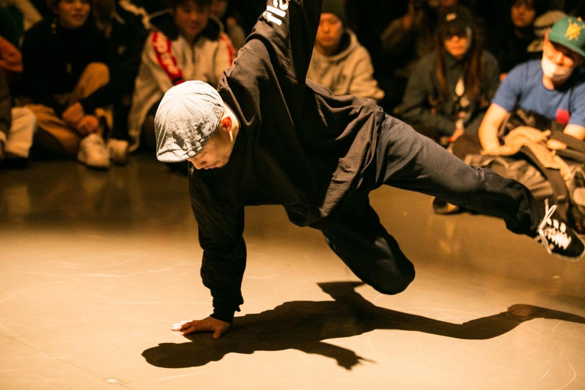 DANCE ALIVE ファイナルの舞台に遂に登場、関西のHOUSEシーンの重要人物TAKEをDewsがインタビュー!