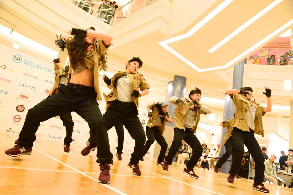 dews_7_dance_monster brash